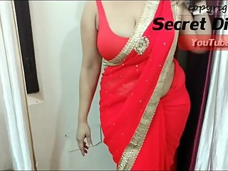 DesiMilf with Deep Cleavage teaching to wear Saree!!