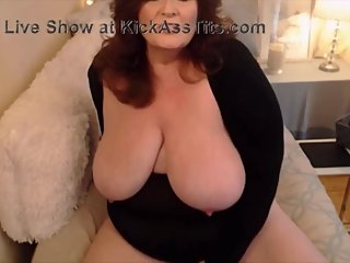 Sensual mature BBW with creamy pussy and dirty desires