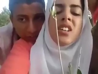 Desi beautiful southeli behan Latifa fuck bhai hakib outdoor doogy hijab