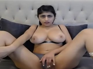Sexy Mia Khalifa Masturbating Live on Webcam