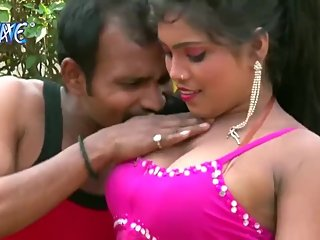 Hot bhojpuri song 78 - Navel kissed passionately, boob press & kiss