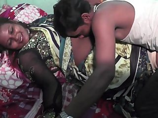 Hot bhojpuri song 28 - Boob kissed, pressed & navel licked in song making