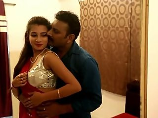 Hot desi shortfilm 25 - Hot girl's boobs pressed in sari blouse, navel kiss