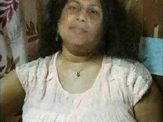 Narayanganj Pritom Parlor Proprietor Arifa Jharna Homemade Sex Movie 3