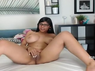 Mia Khalifa Showing Her Big Tits & Shaved Pussy On Webcam